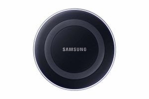 Samsung Qi Certified Wireless Charging Pad for Qi compatible smartphones