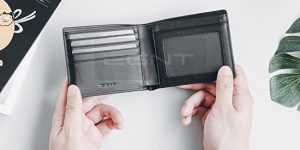 Top 10 Best Wallets for Men in 2021