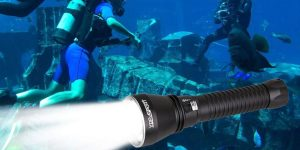 Top 10 Best Diving Flash Lights in 2019 – Reviews